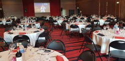 Diner spectacle - 200 places assises